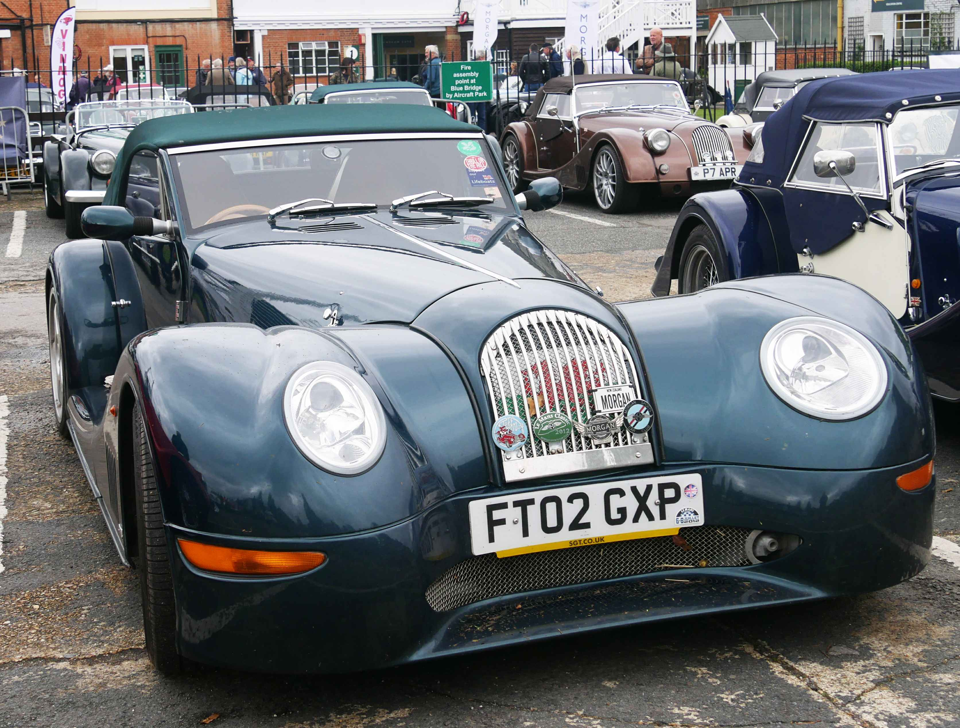 The front end of the more or less streamlined Aero 8.