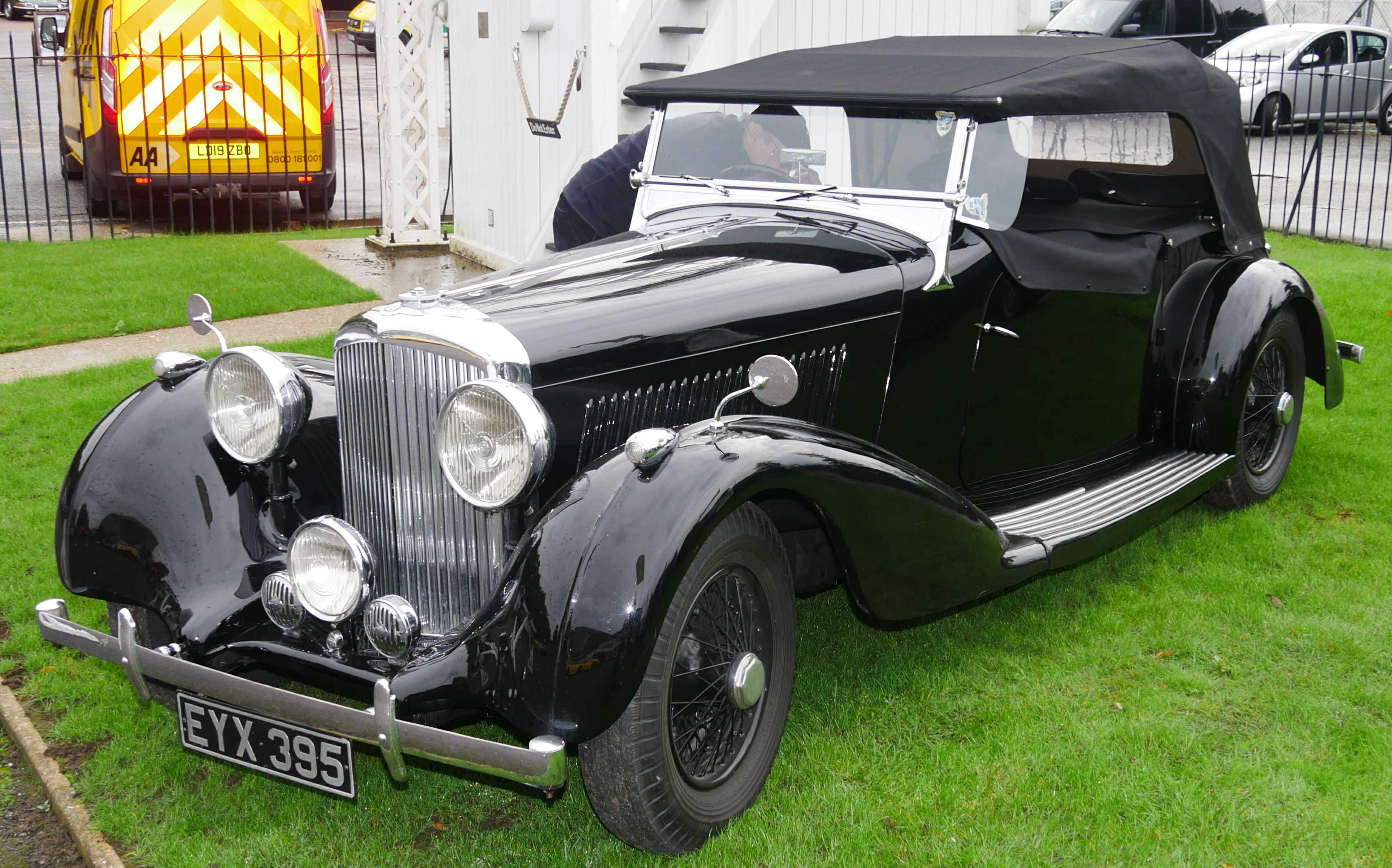 Convertible 1930s Bentley