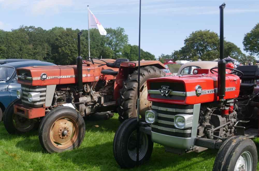 Tow Massey Fergusson tractors
