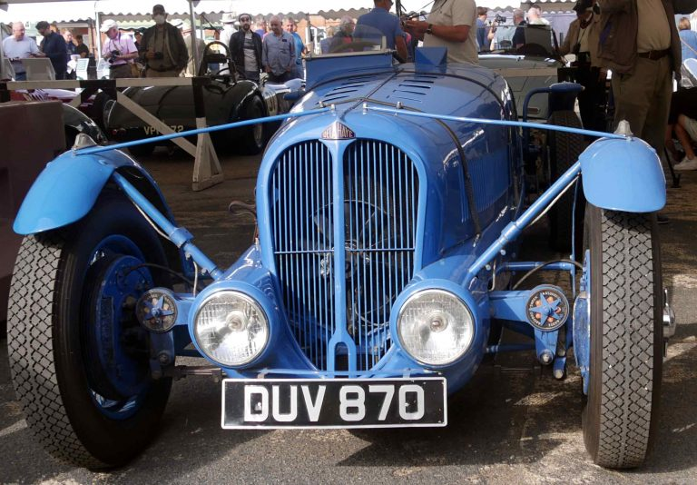 Stunning front end of the streamlined Delahaye