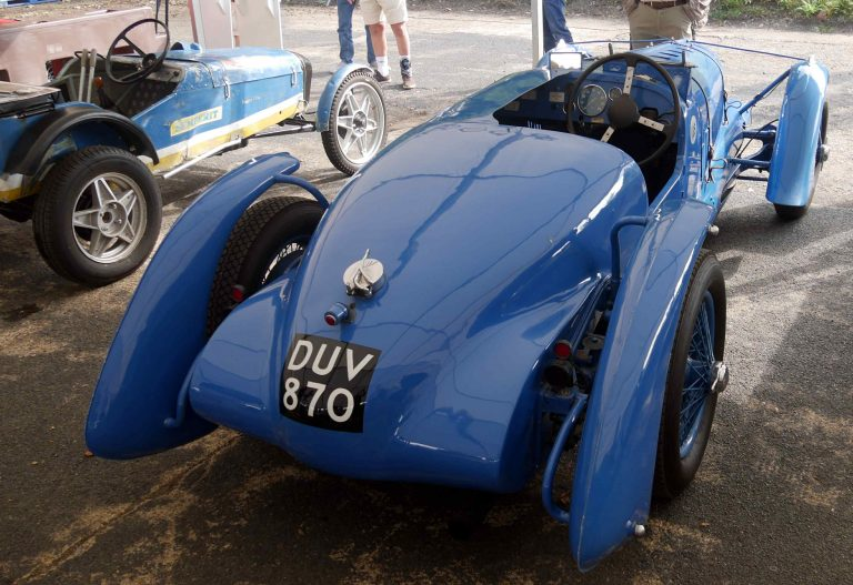 Rear view showing streamlined mudguards